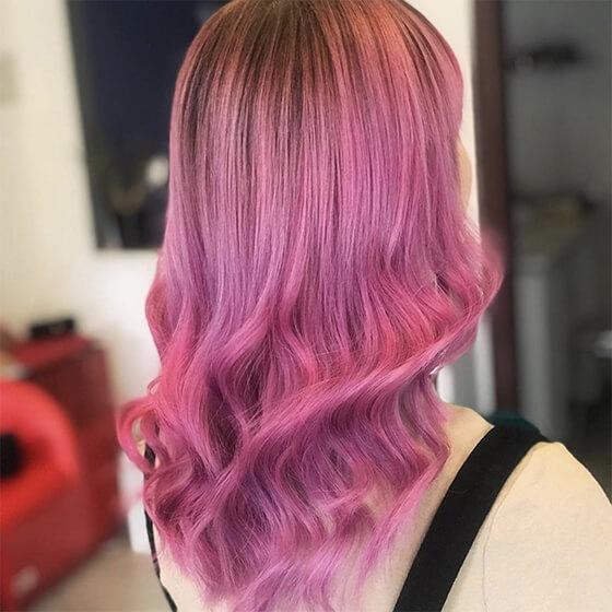 Lila női frizura