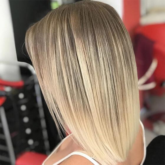 hosszú szőke frizura